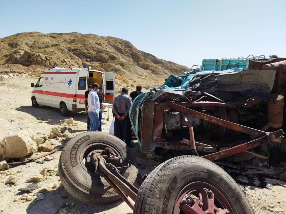 گزارش تصویری/تصادف تريلي با کامیون در محور ایلام-مهران